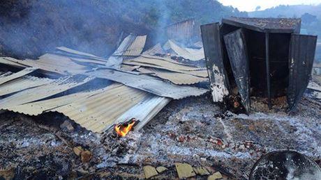 Người cha đốt nhà 3 bố con tử vong ở Lâm Đồng