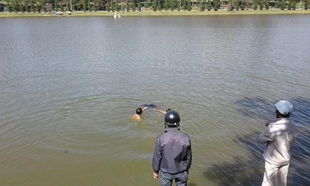 Đà Phát hiện người đàn ông chết dưới Hồ Xuân Hương