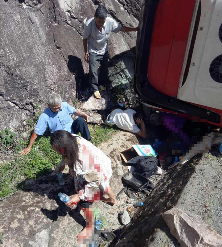 Hai người tử vong, hàng chục người bị thương ở đèo Khánh Vĩnh