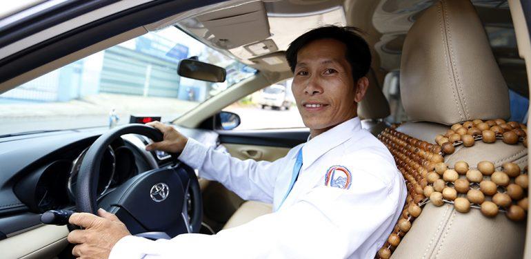 Tài xế taxi đỡ đẻ giữ đêm khuya ở đèo Tà Nung Đà Lạt