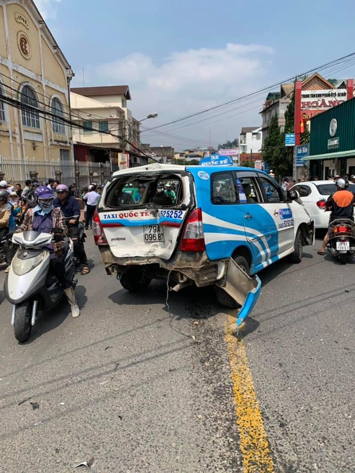 Đà Lạt : Thanh niên ngáo đá lái xe gây tai nạn liên hoàn
